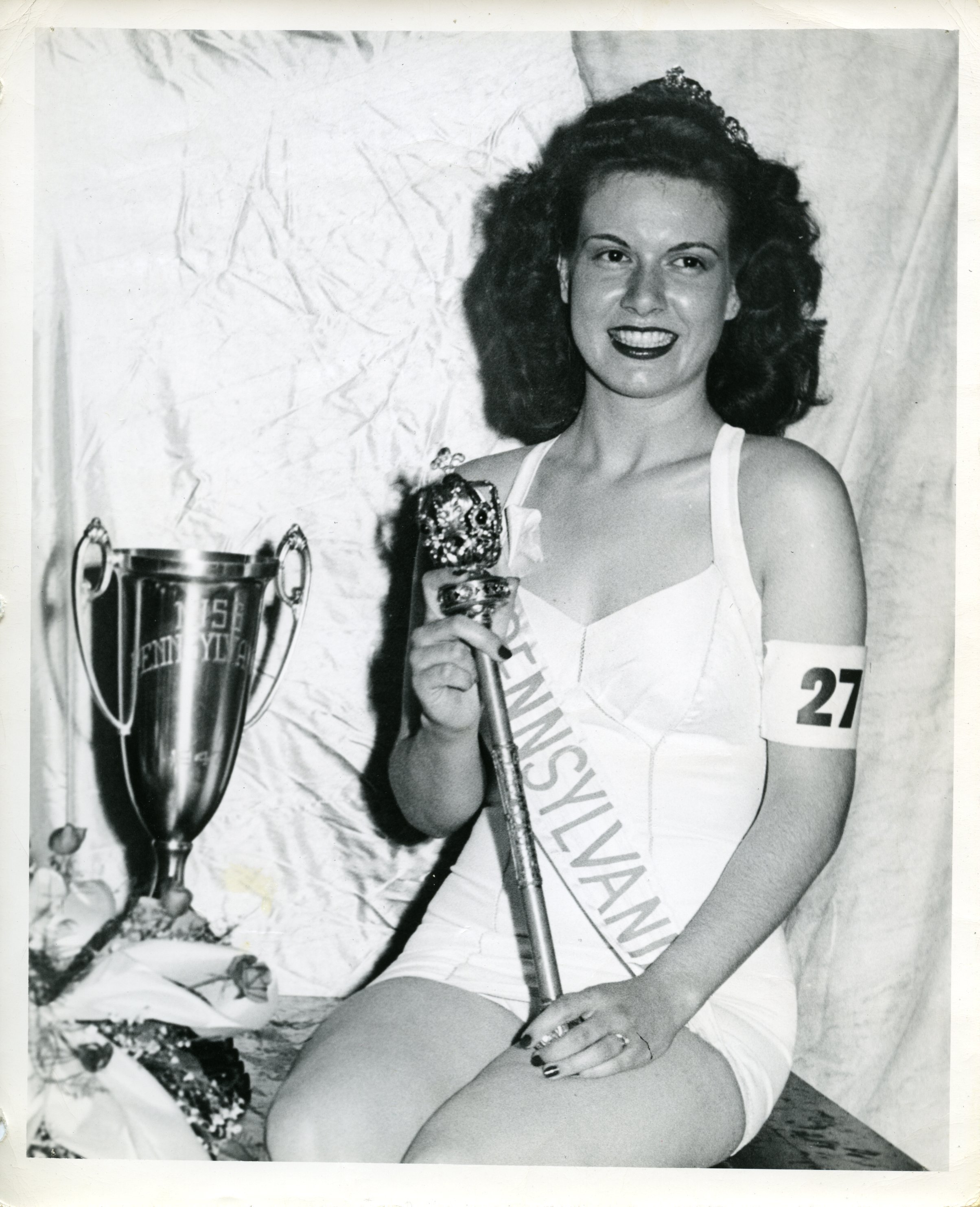 S22-7_PA_with_trophy.jpg
